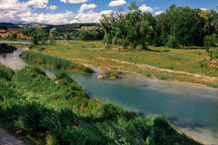 Τοπίο της Ελβετίας από τον ποταμό στοκ εικόνες