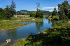 Τοπίο της Ελβετίας από τον ποταμό στοκ φωτογραφία με δικαίωμα ελεύθερης χρήσης