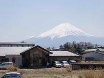 Τοπίο της θέας βουνού του Φούτζι από την πόλη Kawaguchiko στοκ φωτογραφία με δικαίωμα ελεύθερης χρήσης