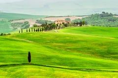 Τοπίο της Τοσκάνης - της Ιταλίας την άνοιξη στοκ φωτογραφίες