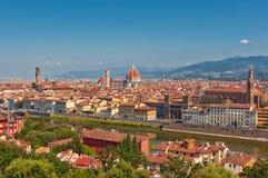 Τοπίο της Φλωρεντίας από Piazzale Michelangelo μια θερινή ημέρα στοκ εικόνες