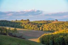 Τοπίο της tuscan επαρχίας την άνοιξη Στοκ εικόνες με δικαίωμα ελεύθερης χρήσης