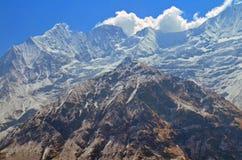 Τοπίο τοίχων βουνών στο Ιμαλάια Διαδρομή στρατόπεδων βάσεων Annapurna Στοκ φωτογραφία με δικαίωμα ελεύθερης χρήσης