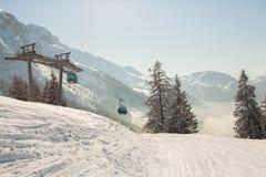 Τοπίο τοπίου σε αυστριακό Apls στο σκι τοπικό, τοπικό LAN χειμερινού χιονιού Στοκ εικόνες με δικαίωμα ελεύθερης χρήσης