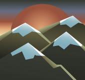 Τοπίο του ήλιου, του ουρανού και των βουνών Στοκ Εικόνες