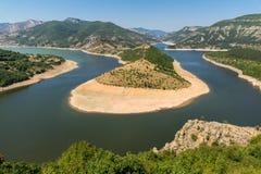 Τοπίο του μαιάνδρου ποταμών Arda και της δεξαμενής Kardzhali, Βουλγαρία Στοκ Φωτογραφία