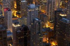 Τοπίο του Σικάγου τη νύχτα Στοκ Φωτογραφίες