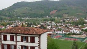 Τοπίο του Pays Basque, Άγιος Jean Pied de Port στο νότο της Γαλλίας φιλμ μικρού μήκους