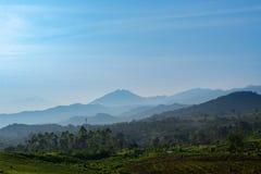 Τοπίο των βουνών γύρω από το lembang στοκ φωτογραφίες