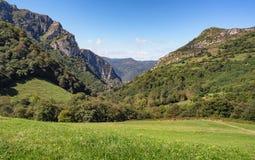 Τοπίο των βουνών στις αστουρίες, Ισπανία στοκ φωτογραφίες
