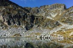 Τοπίο των λιμνών Elenski κοντά στην αιχμή Malyovitsa, βουνό Rila Στοκ εικόνες με δικαίωμα ελεύθερης χρήσης