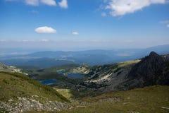 Τοπίο των ψαριών, του διδύμου και των Trefoil λιμνών, οι επτά λίμνες Rila, Βουλγαρία Στοκ εικόνα με δικαίωμα ελεύθερης χρήσης