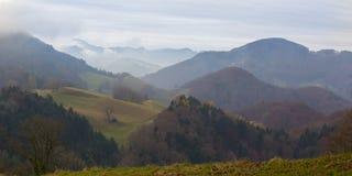 Τοπίο φθινοπώρου στη σειρά βουνών Jura Στοκ εικόνα με δικαίωμα ελεύθερης χρήσης