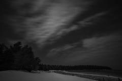 Τοπίο χειμερινών ακτών τη νύχτα από τον κόλπο Dunks, Tobermory, β Στοκ εικόνα με δικαίωμα ελεύθερης χρήσης
