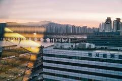 Τοπίο όχθεων ποταμού της Σεούλ, Νότια Κορέα στοκ φωτογραφίες