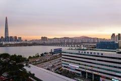 Τοπίο όχθεων ποταμού της Σεούλ, Νότια Κορέα στοκ εικόνες