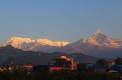 Τοπίο Annapurna Pokhara Νεπάλ βουνών του Ιμαλαίαυ Machhapuchhre Στοκ Φωτογραφίες