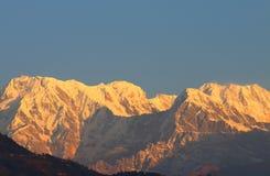 Τοπίο Annapurna Pokhara Νεπάλ βουνών του Ιμαλαίαυ Machhapuchhre Στοκ φωτογραφία με δικαίωμα ελεύθερης χρήσης