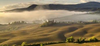 τοπίο tuscan Όμορφο Tuscan πρωί Στοκ εικόνα με δικαίωμα ελεύθερης χρήσης
