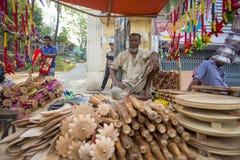 Τοπικά-γίνοντες όμορφες βιοτεχνίες και γηγενή οικιακά αγαθά στην έκθεση Pohela Baishakh στοκ φωτογραφίες