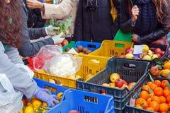 Τοπική αγορά φρούτων πώλησης Στοκ Φωτογραφία