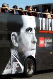 Τοπικό λεωφορείο μετρό με τη διαφήμιση για το πρόγραμμα TV του Richard Nixon στοκ φωτογραφία με δικαίωμα ελεύθερης χρήσης