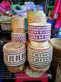 τοπικό ταϊλανδικό καλαθάκι με φαγητό Στοκ Φωτογραφίες