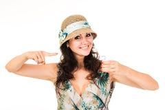 Τοποθέτηση γυναικών με την κρέμα Λερώνει το πρόσωπό της με την κρέμα στοκ φωτογραφία με δικαίωμα ελεύθερης χρήσης