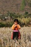 Τοποθέτηση κοριτσιών Hmong, κάθετη Στοκ Φωτογραφία