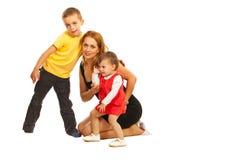 Τοποθέτηση μητέρων με δύο κατσίκια στοκ φωτογραφία