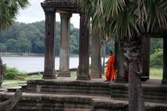 Τοποθέτηση μοναχών στο ναό Angkor Wat Στοκ φωτογραφίες με δικαίωμα ελεύθερης χρήσης