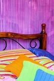 τοποθέτηση στο κρεβάτι ζ&ome Στοκ Εικόνες