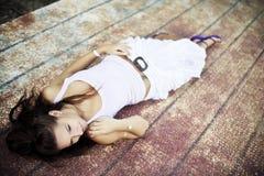 τοποθέτηση της γυναίκας Στοκ φωτογραφία με δικαίωμα ελεύθερης χρήσης