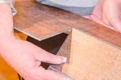 Τοποθέτηση του φύλλου πλαστικού Στοκ εικόνα με δικαίωμα ελεύθερης χρήσης