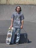 Τοποθέτηση Hunk με skateboard του Στοκ εικόνες με δικαίωμα ελεύθερης χρήσης
