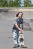 Τοποθέτηση Hunk με skateboard του Στοκ φωτογραφία με δικαίωμα ελεύθερης χρήσης