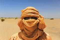 Τοποθέτηση Tuareg για ένα πορτρέτο Στοκ Φωτογραφίες