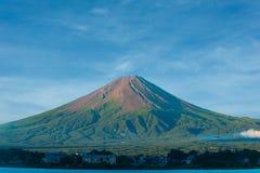 Τοποθετήστε τον κώνο θερινού ρύπου του Φούτζι καμία λίμνη Kawaguchi χιονιού Στοκ εικόνες με δικαίωμα ελεύθερης χρήσης