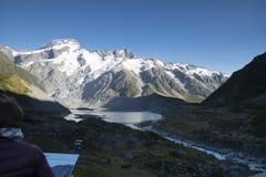 Τοποθετήστε το εθνικό πάρκο Cook που χαρακτηρίζει το χιόνι, τα βουνά και τις ήρεμες σκηνές Στοκ Φωτογραφίες