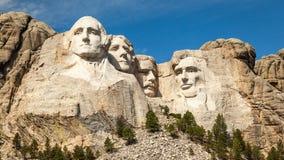 Τοποθετήστε το τοπίο και το μπλε ουρανό Rushmore Στοκ Εικόνα