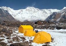 Τοποθετήστε Annapurna με τις σκηνές από το στρατόπεδο βάσεων, Νεπάλ Στοκ εικόνα με δικαίωμα ελεύθερης χρήσης