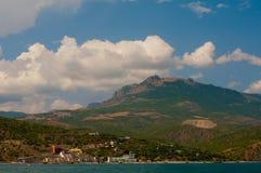 Τοποθετήστε Demerdzhi Όψη από τη θάλασσα στοκ φωτογραφίες