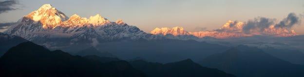 Τοποθετήστε Dhaulagiri και τοποθετήστε Annapurna - το Νεπάλ Στοκ Εικόνες