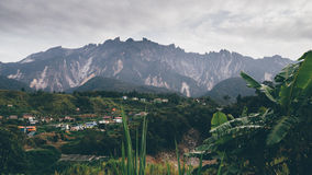 Τοποθετήστε Kinabalu σε αναδρομικό στοκ εικόνες