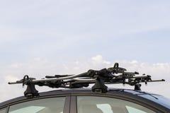 Τοποθετημένος στέγη μεταφορέας ποδηλάτων Στοκ εικόνα με δικαίωμα ελεύθερης χρήσης