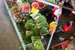 Τοπ άποψη αγοράς αγροτών στοκ φωτογραφία
