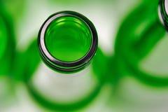 Τοπ άποψη ενός κενού πράσινου μπουκαλιού στοκ εικόνα με δικαίωμα ελεύθερης χρήσης