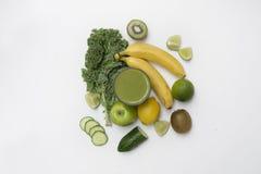 Τοπ άποψη ενός υγιούς καταφερτζή που γίνεται με τα φρούτα και Veg Στοκ εικόνα με δικαίωμα ελεύθερης χρήσης