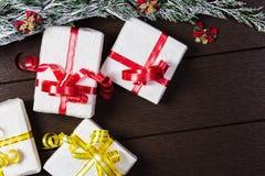 Τοπ άποψη κιβωτίων δώρων Χριστουγέννων με το διάστημα αντιγράφων Στοκ Φωτογραφίες