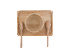 Τοπ άποψη, ξύλινο κουτάλι και ξύλινο φλυτζάνι που τοποθετούνται στον ξύλινο δίσκο Στοκ Εικόνες